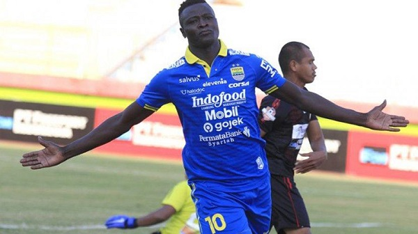 Ezechiel Ndouasel Berpotensi Kembali ke PERSIB